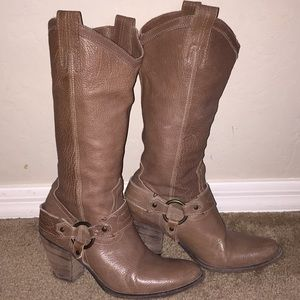 Frye Taylor harness pull on boots